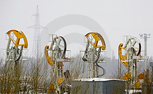 Oil Derricks Pump Royalty Free Stock Photos - Image: 15577998