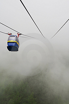 Cableway In Fog Royalty Free Stock Photo - Image: 15578685