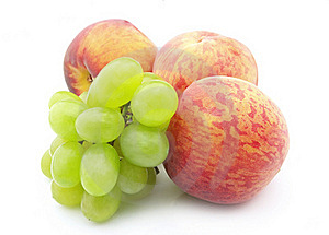 Grapes And  Peaches Royalty Free Stock Photos - Image: 15579658