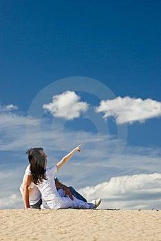 Indicando Alla Distanza Fotografia Stock Libera da Diritti - Immagine: 15591167