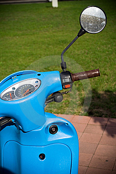 Retro Style Scooter Royalty Free Stock Image - Image: 15640156