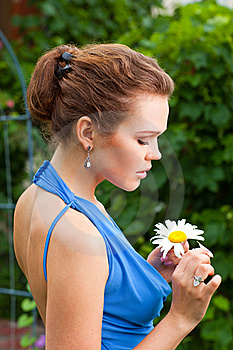 Lady With Camomile Royalty Free Stock Photography - Image: 15648457