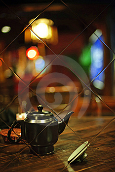 A Teapot In Mirror With Colorful Background Royalty Free Stock Photos - Image: 15660478