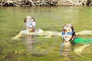 Girls Enjoying The River Water Royalty Free Stock Images - Image: 15661519