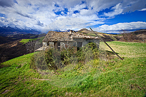 Lone House In Italy Stock Photos - Image: 15667893