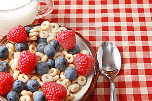 Cereal With Berries Royalty Free Stock Photo - Image: 15687415