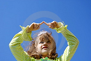 The Child Draws In The Sky Fingers Royalty Free Stock Images - Image: 15706139