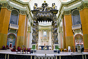 Altar And Canopy Of Church Stock Images - Image: 15712964