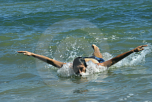 Swimmer Royalty Free Stock Images - Image: 15724299