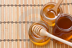 Glass Pot With Honey Stock Images - Image: 15725354