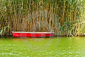 Red Fishing Boat Royalty Free Stock Photos - Image: 15763148