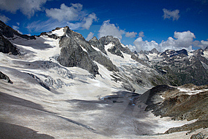 Extreme Landscape Of High Mountains Royalty Free Stock Images - Image: 15768409