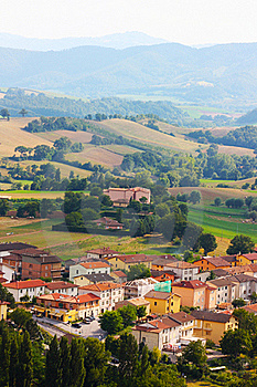 Small Ancient Town Cigillo Taken In The Apennines Royalty Free Stock Images - Image: 15797399