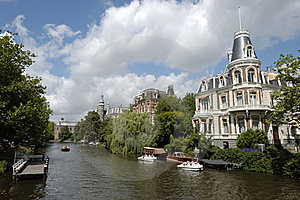 Luxurious Mansion On Amsterdam Canal. Royalty Free Stock Images - Image: 15878469