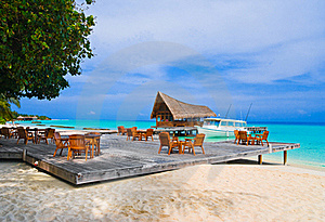 Cafe On The Beach Royalty Free Stock Images - Image: 15880339