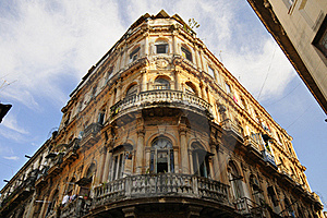 Vintage Havana Building Facade Stock Images - Image: 15899984