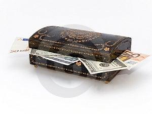 Joyero Viejo Con El Dinero Dentro Fotografía de archivo libre de regalías - Imagen: 1597087