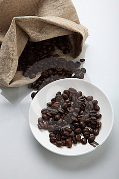 COFFEE BEANS IN SACK Royalty Free Stock Photo - Image: 15909505