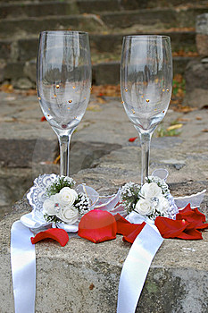 Weddings Glasses For Champagne Royalty Free Stock Photos - Image: 15929618