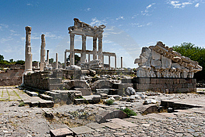 Antique Ruins In Ephesus Royalty Free Stock Images - Image: 15977589