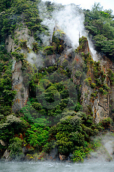 Steaming Cathedral Rocks, Waimangu Volcanic Valley Stock Photos - Image: 15985523