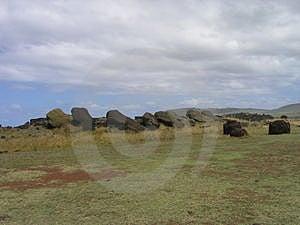 Ilha de Páscoa - moais caídos Fotos de Stock Royalty Free