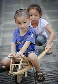 Asian Boy And Girl Royalty Free Stock Photos - Image: 16037398