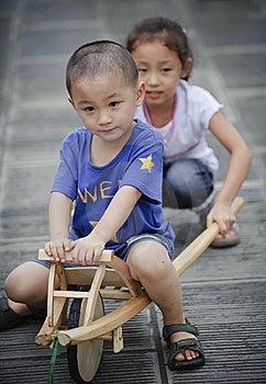 Asian Boy And Girl Royalty Free Stock Photos - Image: 16037398