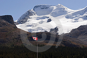 Icefield And Canadian Flag Royalty Free Stock Images - Image: 16037829