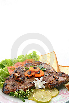 T Bone Pepper Steak With Vegetable And Bread Stock Images - Image: 16047884