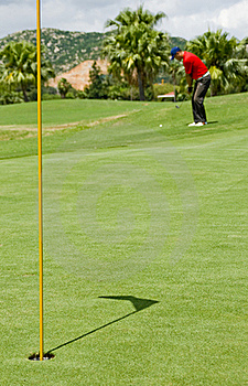 Golf Pitch-shot Stock Photo - Image: 16048720