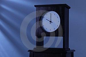 часы Стоковое Изображение - изображение: 16089091