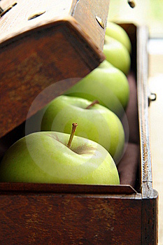 Green Apples Royalty Free Stock Image - Image: 16183036
