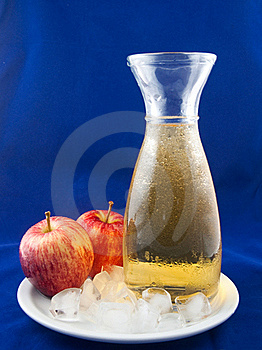 Cold Apple Juice Stock Images - Image: 16227174