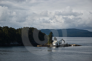Beach House In Norway Royalty Free Stock Image - Image: 16229666