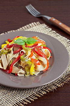 Pasta With Bell Peppers Royalty Free Stock Images - Image: 16288889