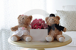 Cute Bears With Blank Note Royalty Free Stock Images - Image: 16291499