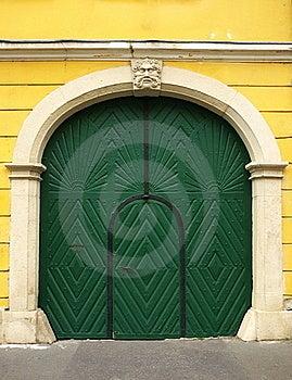 Green Door Royalty Free Stock Images - Image: 16315229