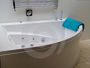 Bathtub Jacuzzi In A Modern Trendy Batroom Stock Images - Image: 16323294