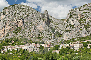 Moustiers Sainte Marie Royalty Free Stock Image - Image: 16338146
