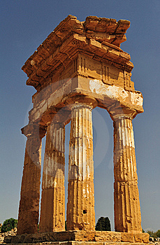 Remains Of The Temple Of Agrigento Royalty Free Stock Photos - Image: 16350018