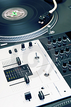 Turntable Playing Vinyl Record Royalty Free Stock Images - Image: 16367479