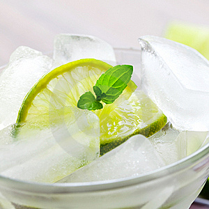 Ice Cubes And Lime Stock Photography - Image: 16368162
