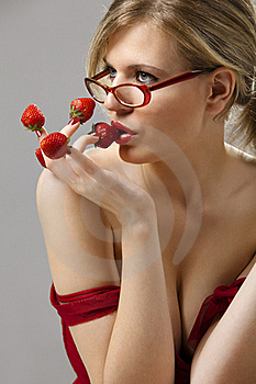 Woman With Red Strawberries Picked On Fingertips Royalty Free Stock Image - Image: 16377286