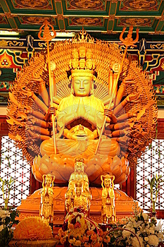 Golden Guan Yin Royalty Free Stock Photo - Image: 16438585