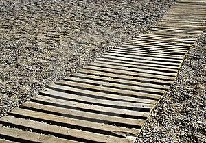 Passage Couvert Sur Une Plage De Bardeau Photographie stock libre de droits - Image: 16459557