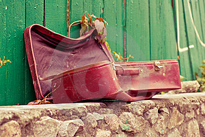 Vintage Weathered Leather Suitcase Stock Photos - Image: 16471333