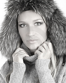 Portrait Of A Young Woman In A Winter Hat Stock Photos - Image: 16480393