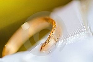 Wedding Ring On A Satiny Fabric (macro) Royalty Free Stock Images - Image: 16515949