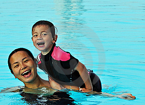 Mum And Son In Pool Royalty Free Stock Images - Image: 16548639